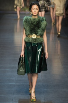 La jupe brillante vert sapin de DOLCE & GABBANA