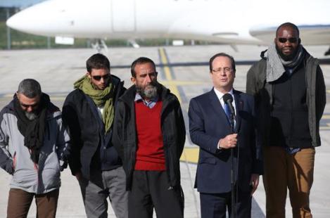 Les quatre ex-otages français du Niger libérés (source AFP)